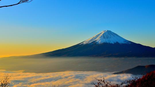 Fuji is een heilige berg in Japan.