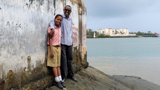 Swabir wil later ook in het fort werken. Net als zijn vader.