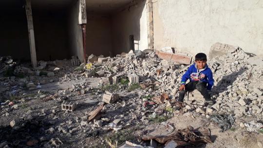 Een raketaanval verwoestte het huis van Majd in Raqqa.