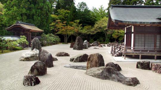 In deze zeetuin komen boeddhisten mediteren.