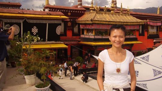 De eerste delen van de Jokhang tempel in de Tibetaanse hoofdstad Lhasa stammen uit de 7e eeuw.