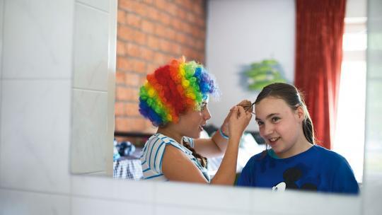 Danika (rechts) en Julia zitten in hetzelfde mentorgroepje.