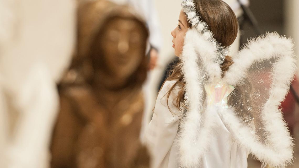 Kerstavond in een kathedraal in Kosovo