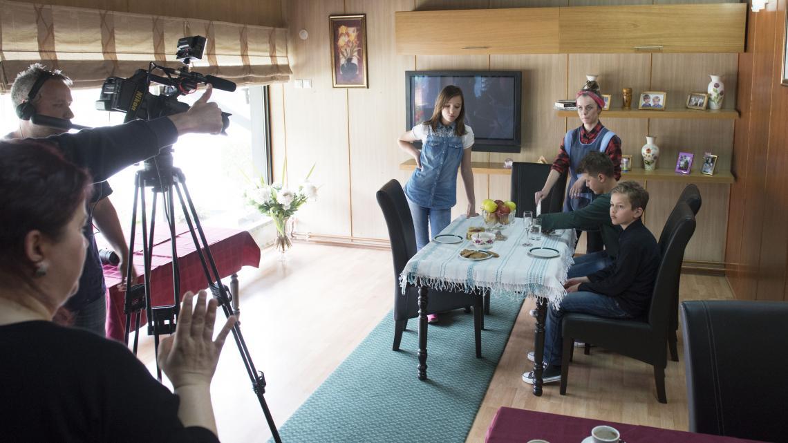 Nederlandse filmmakers brengen kinderen met verschillende geloven samen voor een speelfilm.