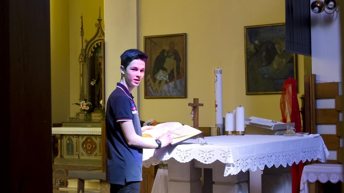 Altaar in de kerk