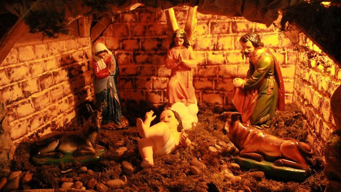 Sommige katholieken zetten met Kerst een kerststal in huis.