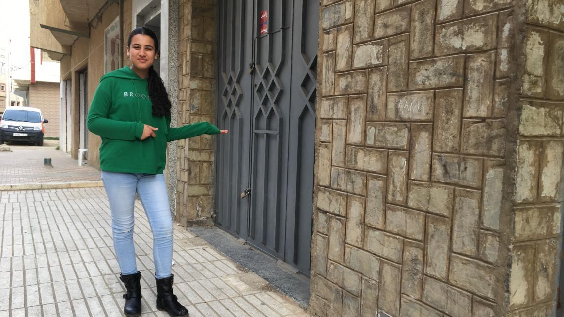 Sara woont in Tetouan en verheugt zich op de komende zomer als Yasmine weer komt.