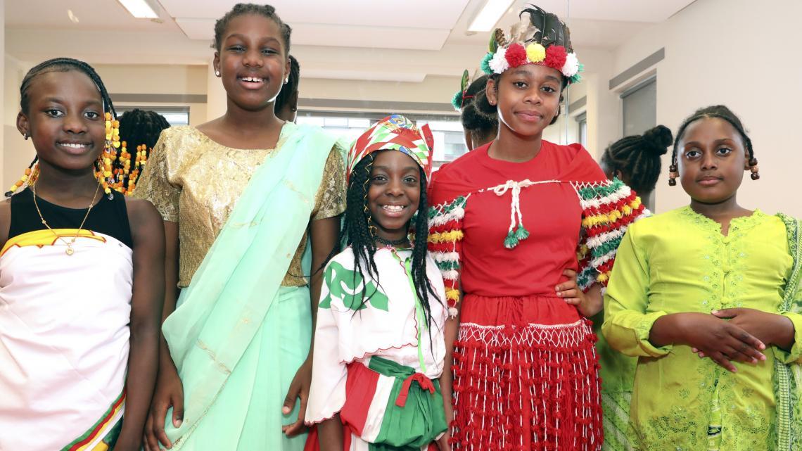 Elke bevolkingsgroep in Suriname heeft een eigen klederdracht.