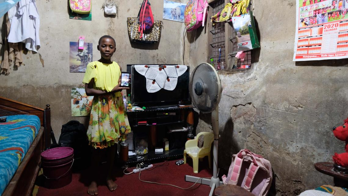 Christine uit Tanzania is gefascineerd door techniek.