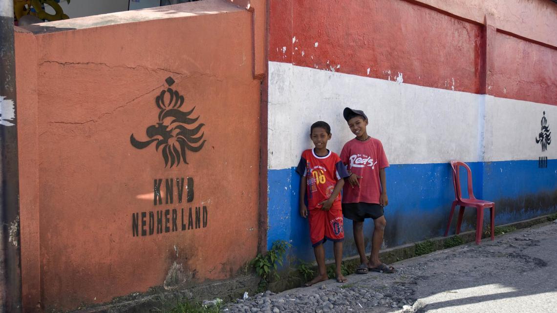 Het Nederlands elftal heeft blijkbaar ook supporters op Ambon.