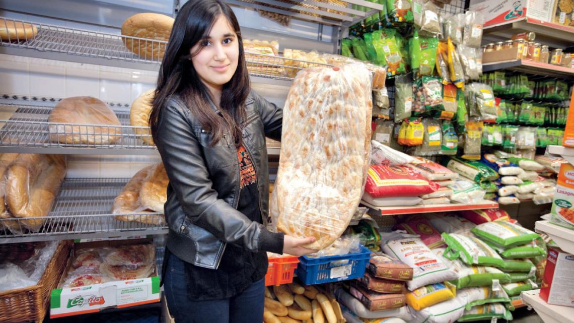 """""""Brood uit een Afghaanse oven is het lekkerst! Het houtvuur in de oven zorgt voor een speciale smaak."""""""