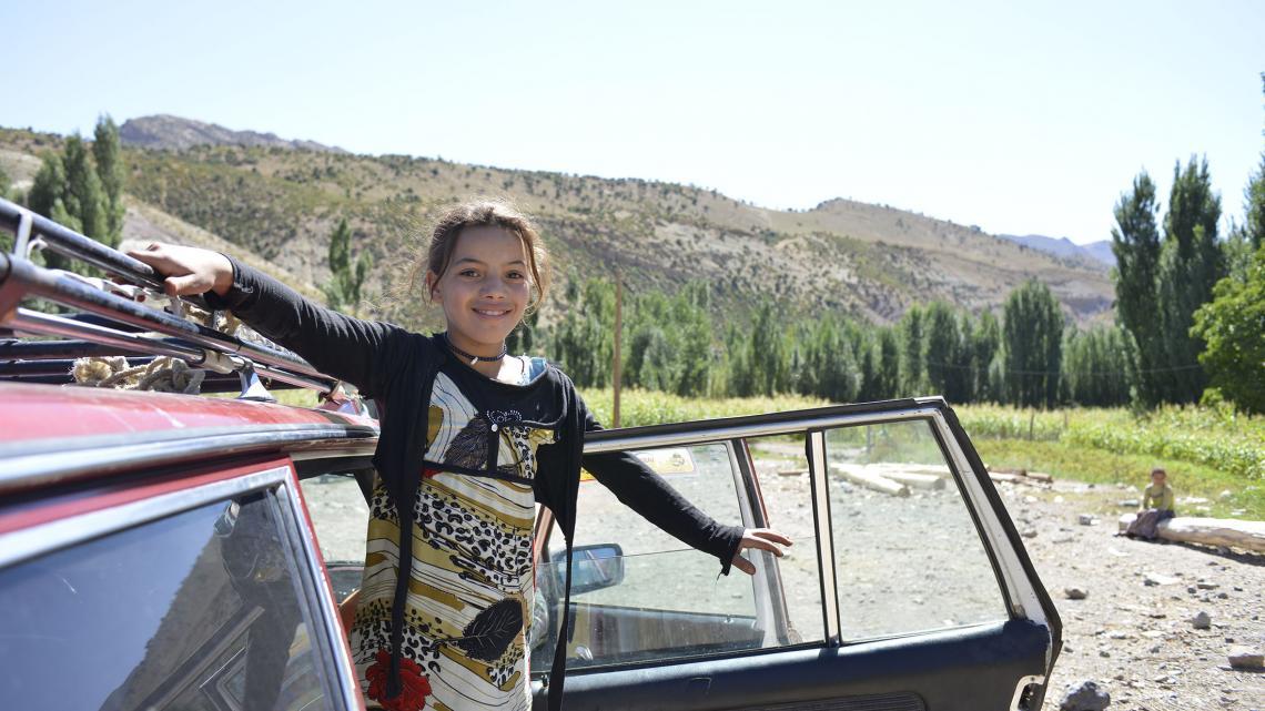 Hafida's broer is taxichauffeur in een grote stad en soms komt hij met de auto op bezoek.