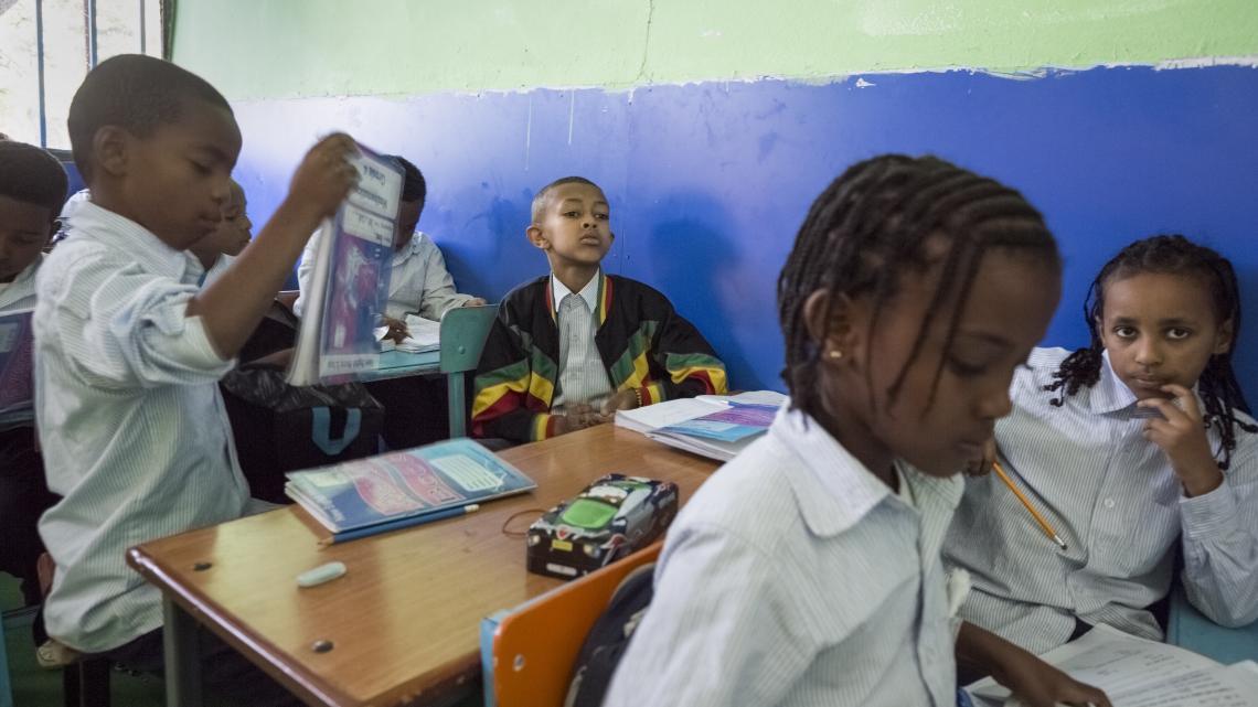 Telefoons zijn verboden op school in Ethiopië.