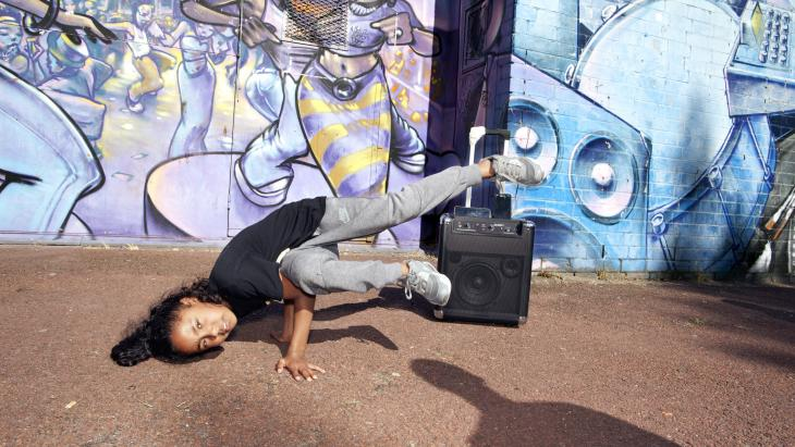 breakdancers in Amsterdam Noord