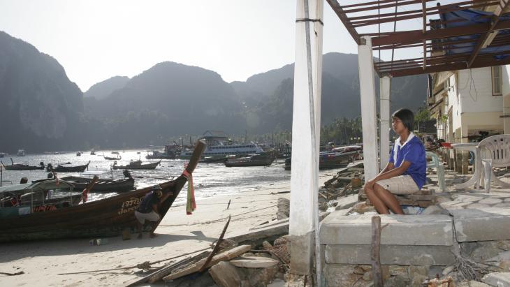 De tsunami liet een deel van dit huis op het eiland Koh Phi Phi staan.