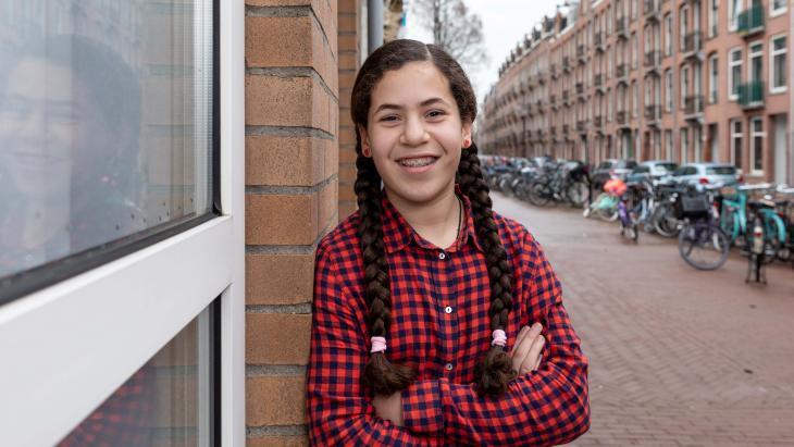 Yasmine woont in Amsterdam en gaat elk jaar op vakantie naar Tetouan (Marokko).