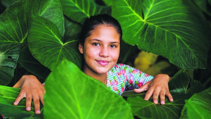 Hévila uit Brazilie krijgt op school het vak Amazonestudies.