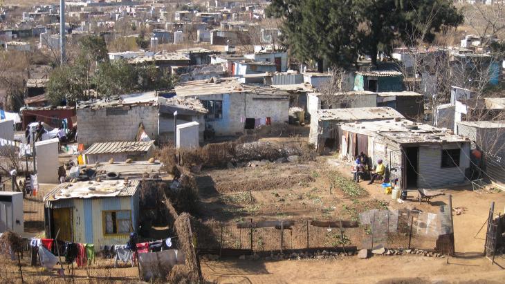 """Soweto, een township van Johannesburg. De naam is een afkorting van South Western Townships, maar volgens de lokale bevolking betekent het """"So Where To""""."""