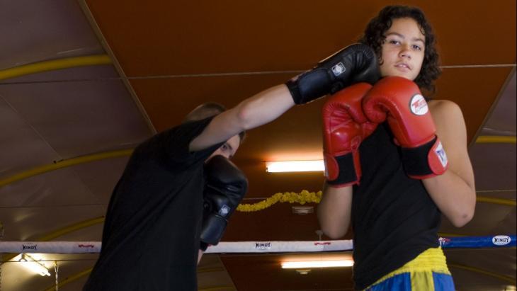 Sinds Luciano (rechts) bokst is hij minder opvliegend.
