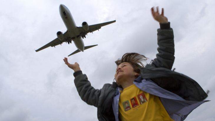 Vliegtuigen stoten schadelijk broeikasgas uit.