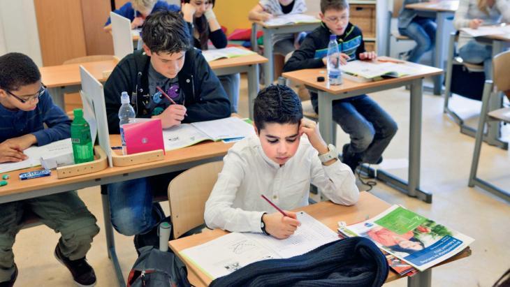 Opperste concentratie in groep 8 tijdens de Citotoets op basisschool De Zeppelin.