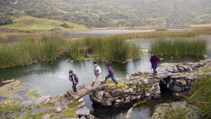 Bij deze prachtige lagunes in Peru ligt waarschijnlijk de grootste goudader van de wereld.