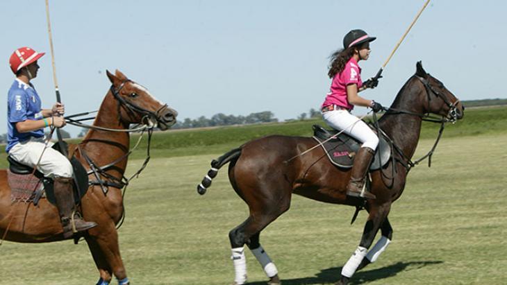 Pilar uit Argentinië is gek op paarden.