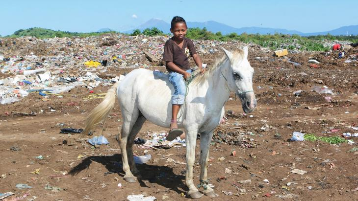 Nicaragua_plastic_vuilnisbelt