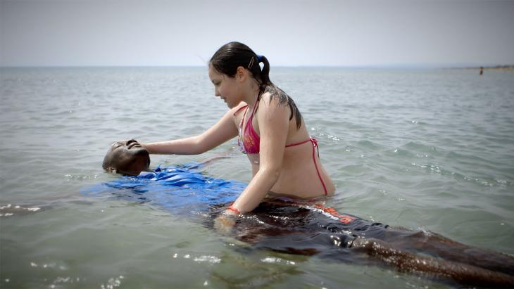 De Italiaanse Letizia en bootvluchteling Mohamed uit Mali hebben een bijzondere vriendschap.