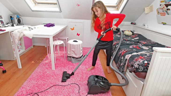 Niet alleen Isis moet haar eigen slaapkamer stofzuigen. Ook haar tweelingbroer Duran.