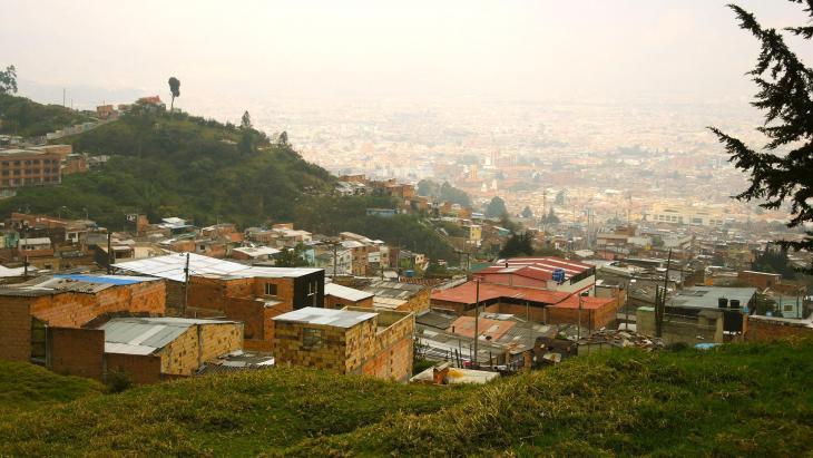 In Colombia woedde ruim vijftig jaar een oorlog tussen regeringstroepen, guerrillagroepen en gewapende bendes.